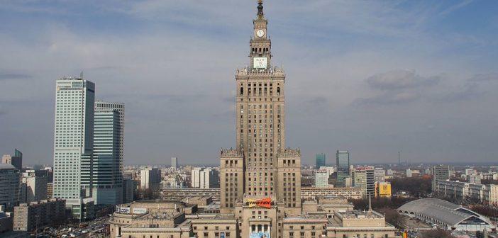 """Pałac Kultury – kontrowersyjny """"dar narodu radzieckiego dla narodu polskiego"""""""